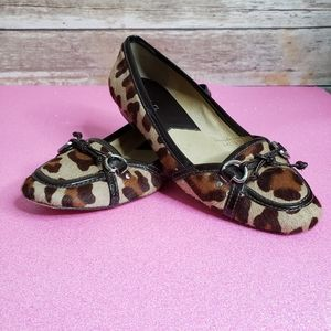 Michael Kors leather/calfhair leopard print loafer